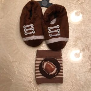 Other - Toddler boy slippers and Knee pads